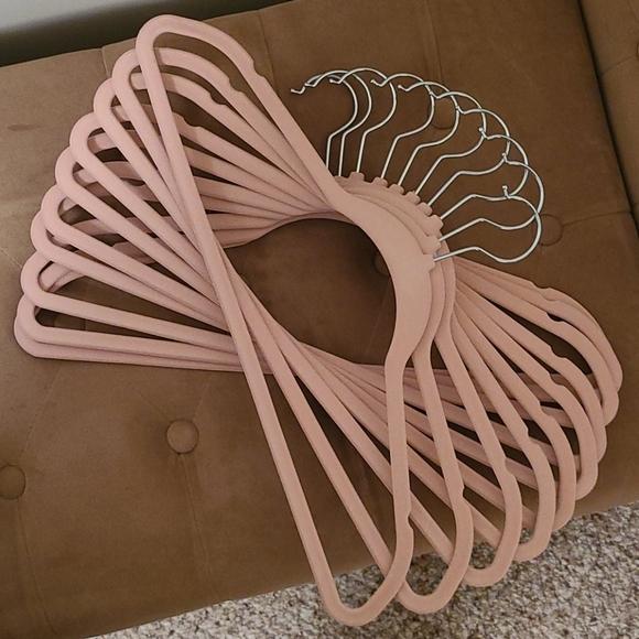 Soft Pink Velvet hangers (15)